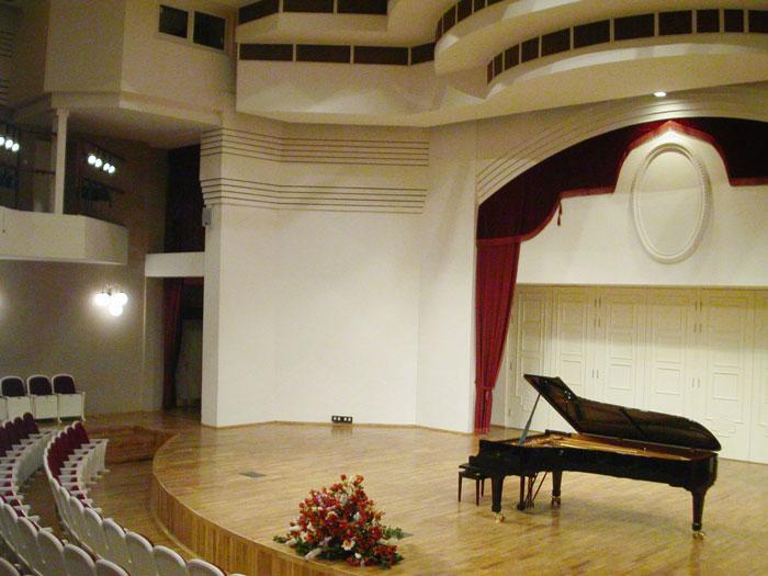 Концертный зал ЦМШ 4.jpg