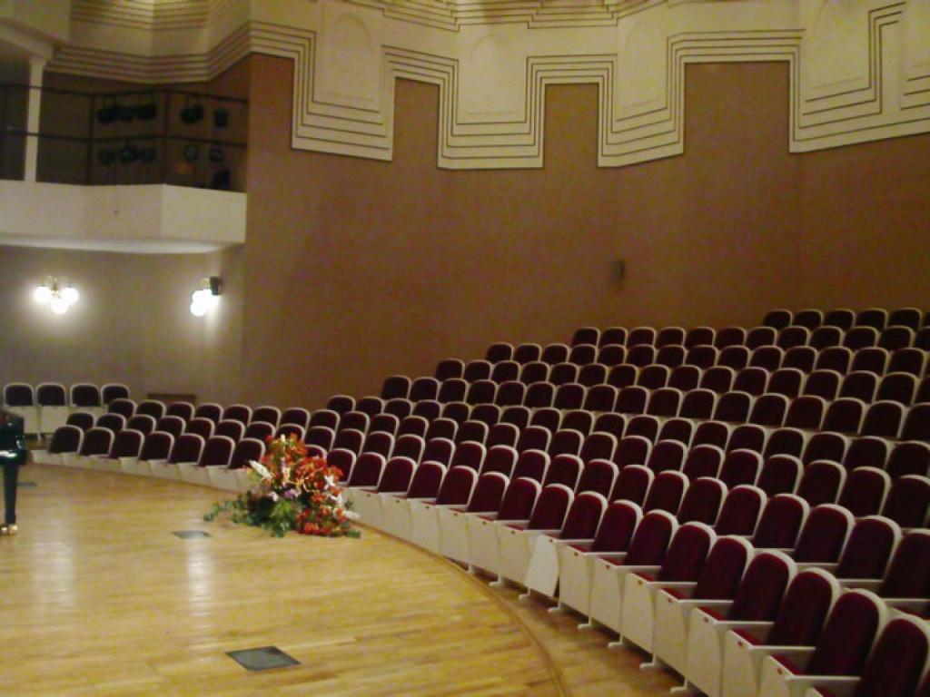 Концертный зал  ЦМШ 2.jpg